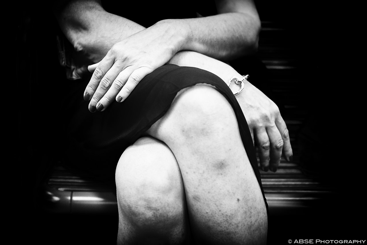 IMAGE: http://blog.absephotography.com/wp-content/uploads/2015/08/paris-france-black-and-white-hands-metro-undeground-24.jpg