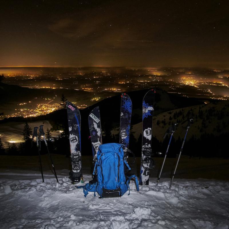 http://blog.absephotography.com/wp-content/uploads/2017/01/aschau-im-chiemgau-splitboard-fstop-bayern-germany-burton-venture-fstop-mountains-night-800x800.jpg