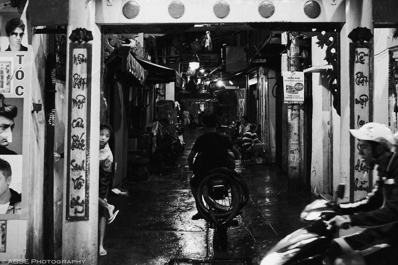 ho-chi-minh-vietnam-candide-urban-portrait-girl