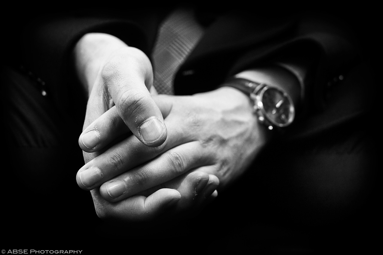 IMAGE: http://blog.absephotography.com/wp-content/uploads/2017/04/hands-serie-project-anxious-black-and-white-s-bahn-munich-germany-april-2017.jpg