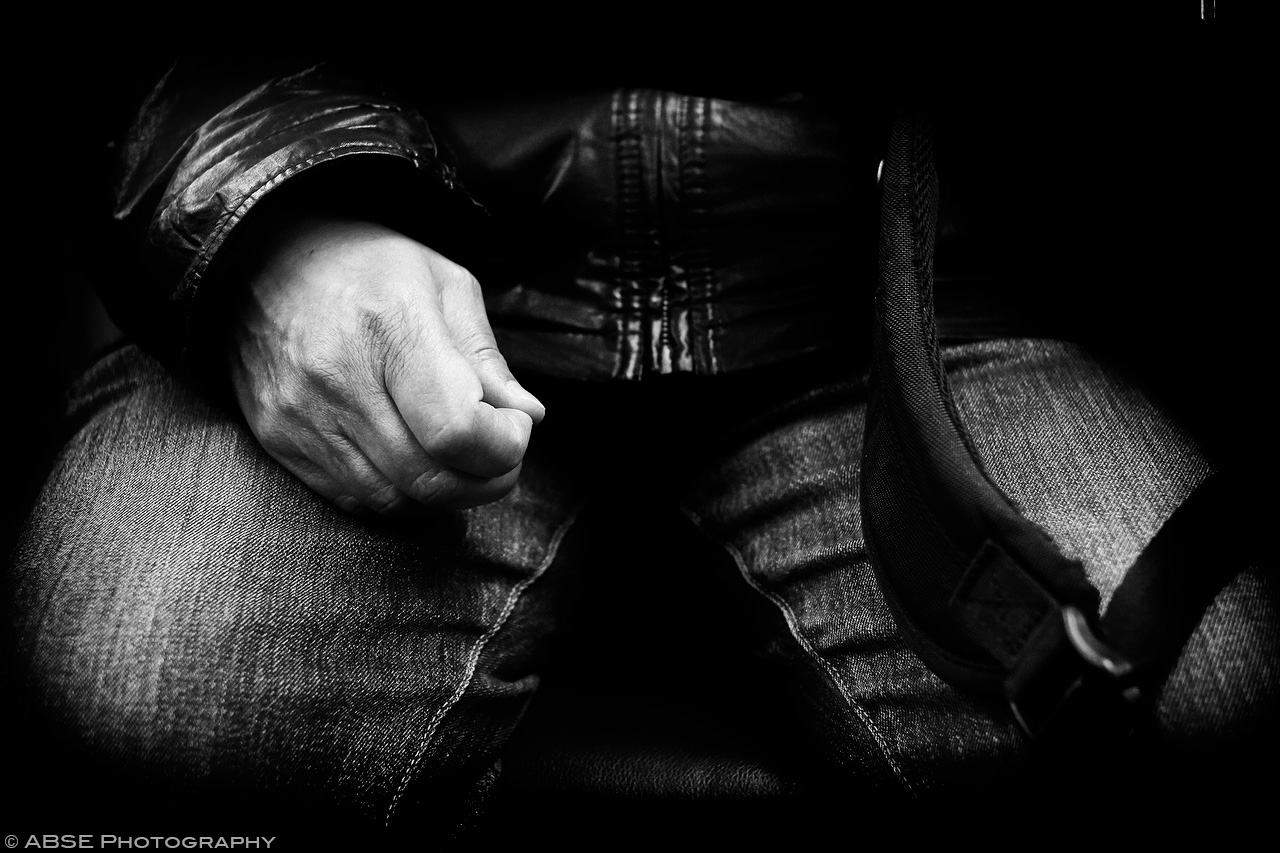 IMAGE: http://blog.absephotography.com/wp-content/uploads/2017/04/hands-serie-project-backpack-black-and-white-s-bahn-munich-germany-april-2017.jpg