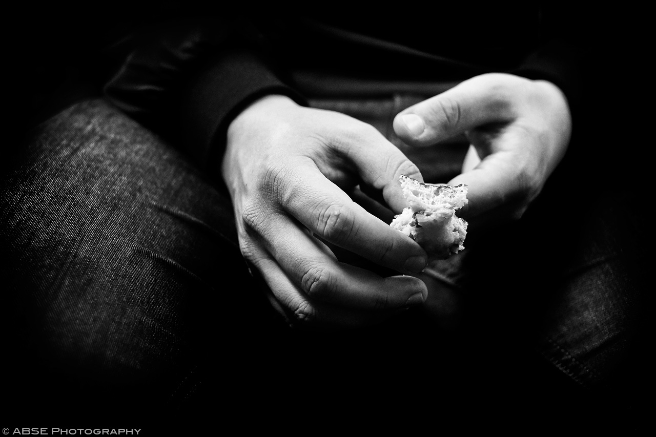 IMAGE: http://blog.absephotography.com/wp-content/uploads/2017/04/hands-serie-project-food-black-and-white-s-bahn-munich-germany-april-2017-002.jpg