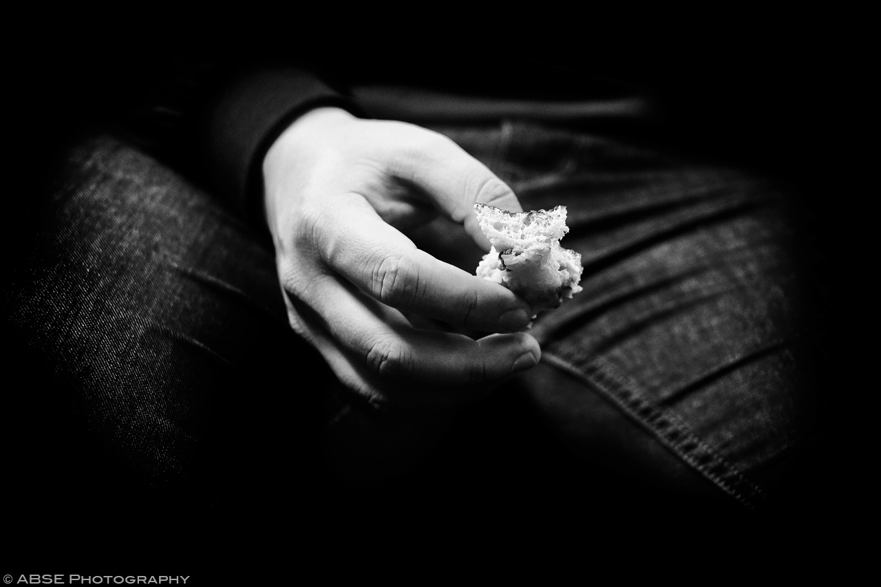 IMAGE: http://blog.absephotography.com/wp-content/uploads/2017/04/hands-serie-project-food-black-and-white-s-bahn-munich-germany-april-2017-003.jpg