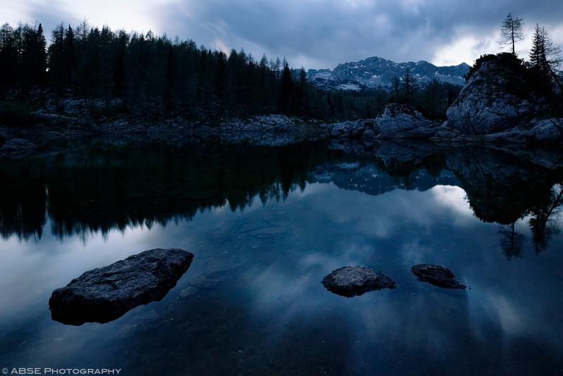 http://blog.absephotography.com/wp-content/uploads/2017/05/blue-hour-lake-triglav-slovenia-mountains-dvojno-jezero-rock-canon-800x534.jpg