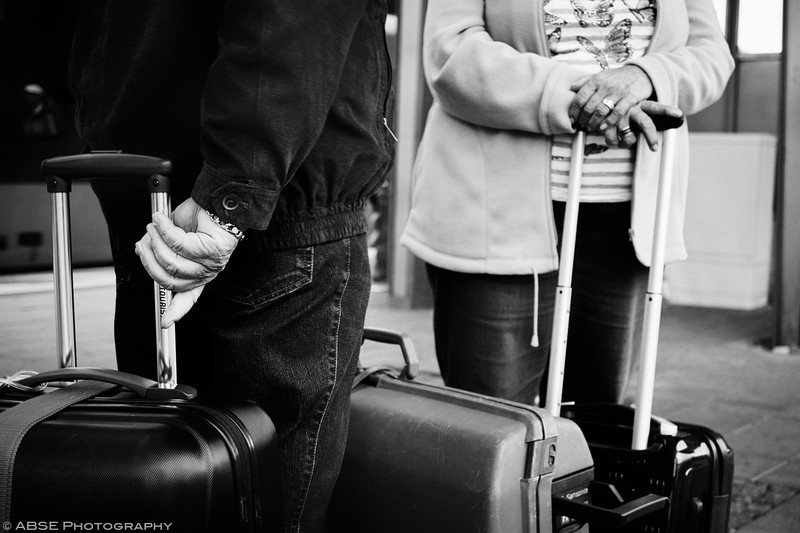 http://blog.absephotography.com/wp-content/uploads/2017/09/2nd-hands-project-munich-2017-september-black-and-white-ubahn-transport-candide-4-800x533.jpg