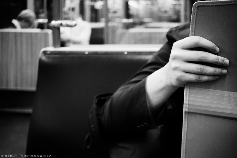 http://blog.absephotography.com/wp-content/uploads/2017/09/2nd-hands-project-munich-2017-september-black-and-white-ubahn-transport-candide-6-800x534.jpg