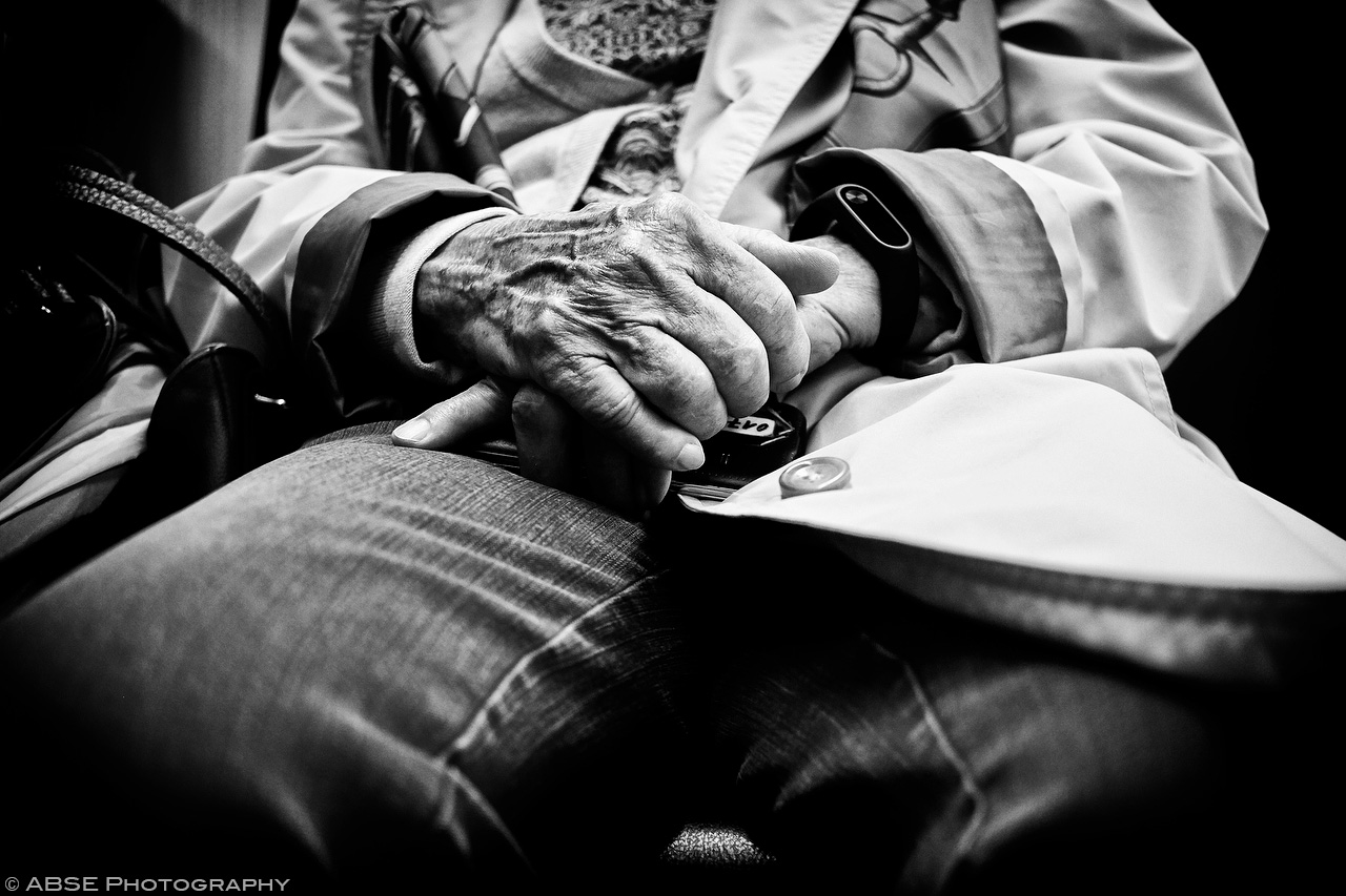 IMAGE: http://blog.absephotography.com/wp-content/uploads/2017/09/hands-project-munich-2017-september-black-and-white-ubahn-transport-candide-1.jpg