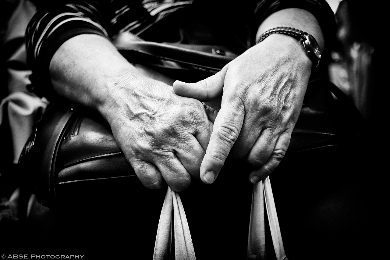 IMAGE: http://blog.absephotography.com/wp-content/uploads/2017/09/hands-project-munich-2017-september-black-and-white-ubahn-transport-candide-2.jpg