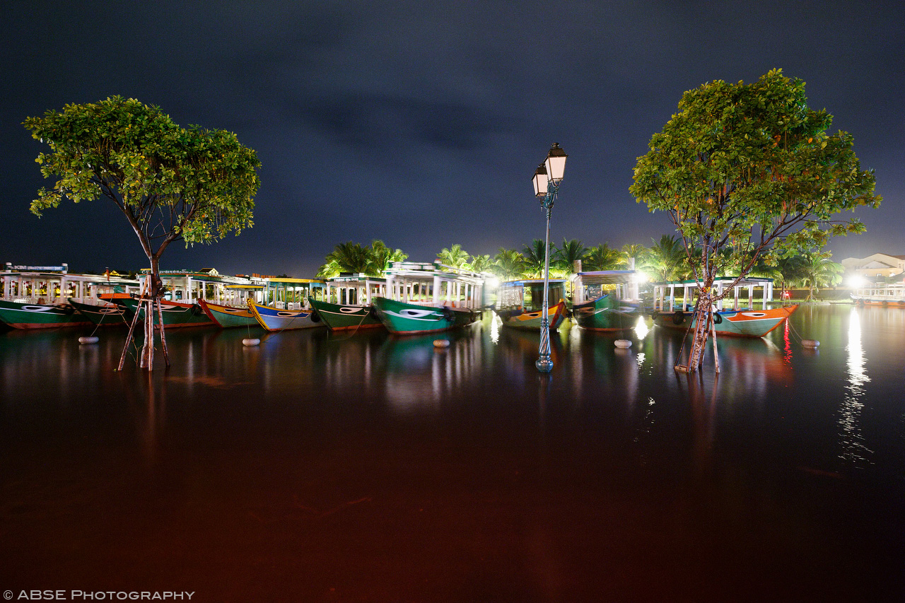 IMAGE: http://blog.absephotography.com/wp-content/uploads/2017/09/hoian-hoi-an-vietnam-water-flood-light-night-shot-long-exposure-2.jpg