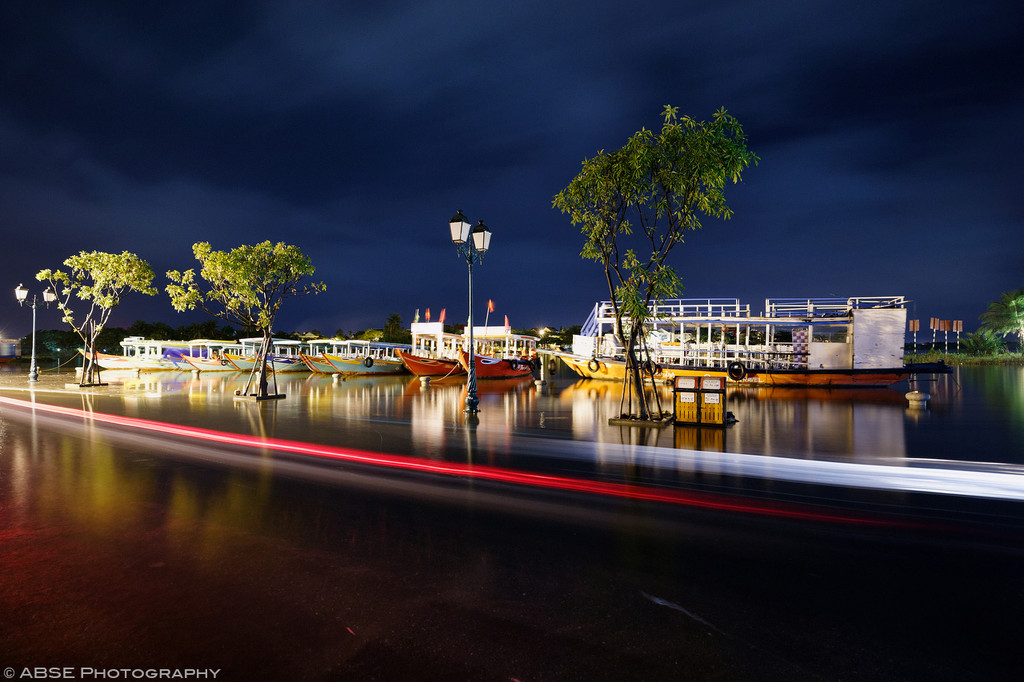 IMAGE: http://blog.absephotography.com/wp-content/uploads/2017/09/hoian-hoi-an-vietnam-water-flood-light-track-night-shot-long-exposure-3-1024x682.jpg