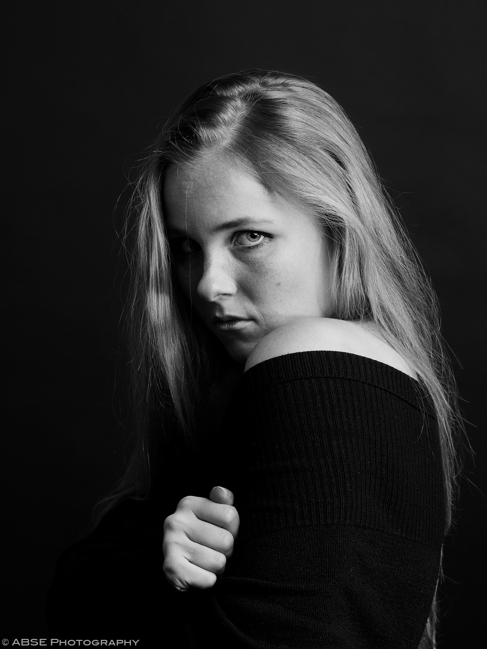 IMAGE: http://blog.absephotography.com/wp-content/uploads/2017/10/aurora-nordica-portrait-studio-black-and-white-hug-final.jpg