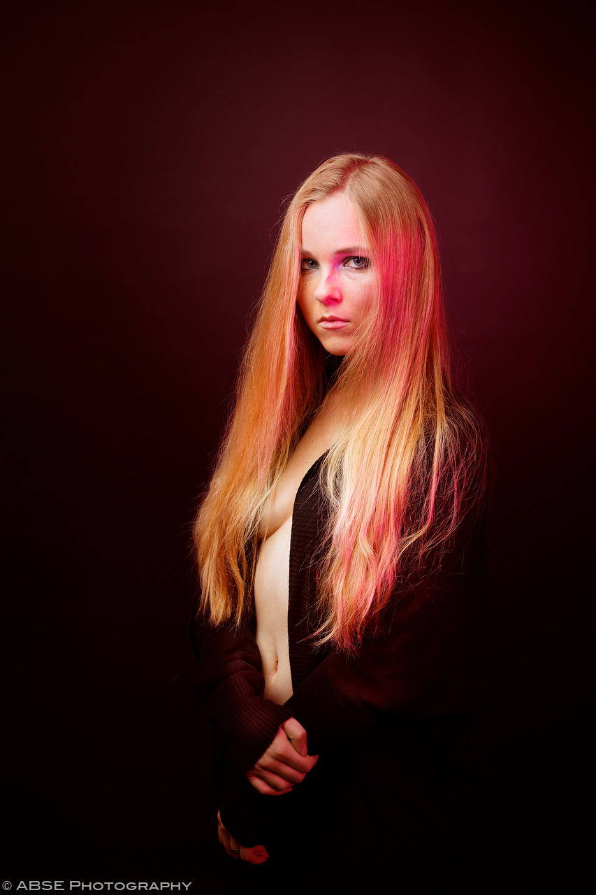 IMAGE: http://blog.absephotography.com/wp-content/uploads/2017/10/aurora-nordica-portrait-studio-red.jpg