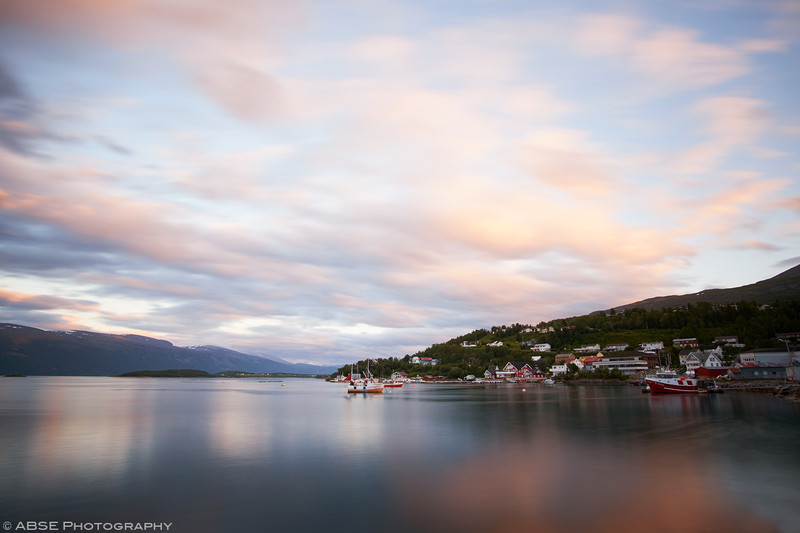http://blog.absephotography.com/wp-content/uploads/2018/02/Lyngseidet-norway-landscape-harbor-long-exposure-ships-sunset-800x533.jpg