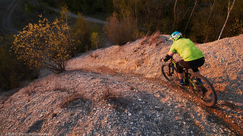 mountain-bike-munich-gravel-sunset-backyard-home-trails-fujifilm-x-t2-2