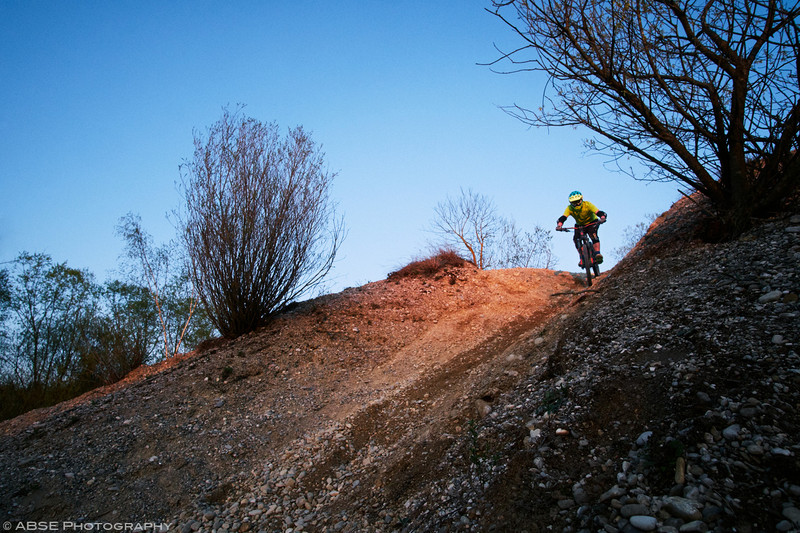 mountain-bike-munich-gravel-sunset-backyard-home-trails-fujifilm-x-t2