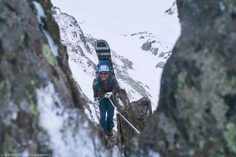http://blog.absephotography.com/wp-content/uploads/2018/12/splitboard-mountains-stubai-abseiling-800x533.jpg