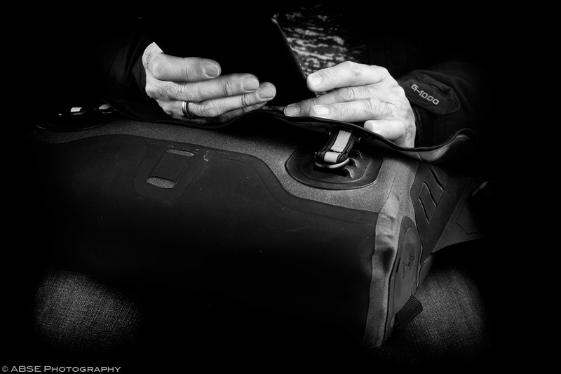 http://blog.absephotography.com/wp-content/uploads/2019/01/hands-project-black-and-white-transport-ubahn-munich-december-2018-ebook-800x533.jpg