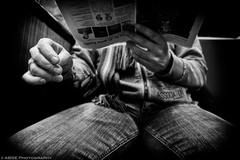 http://blog.absephotography.com/wp-content/uploads/2019/01/hands-project-black-and-white-transport-ubahn-munich-december-2018-newspaper-2-800x533.jpg