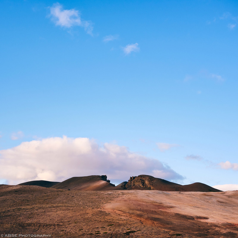http://blog.absephotography.com/wp-content/uploads/2019/03/iceland-myvatn-mountain-bike-bikepacking-landscape-red-blue-800x800.jpg